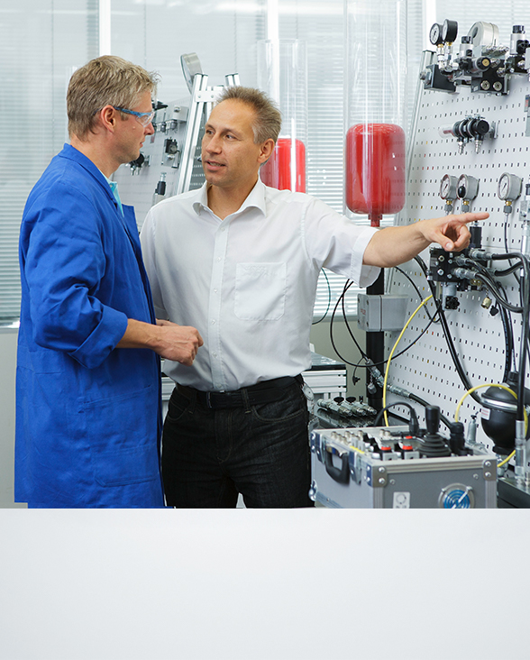 Watch our video about hydraulic training in Kaufbeuren